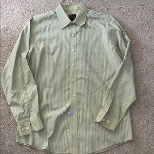 Casual button down shirt.